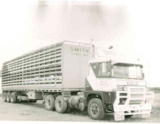 https://www.smithhaulage.com.au/wp-content/uploads/2018/10/about-1985.jpg