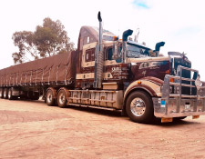 https://www.smithhaulage.com.au/wp-content/uploads/2018/10/about-present.jpg